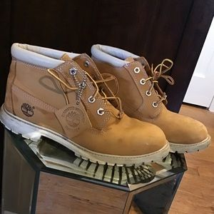 Timberland low top women boots